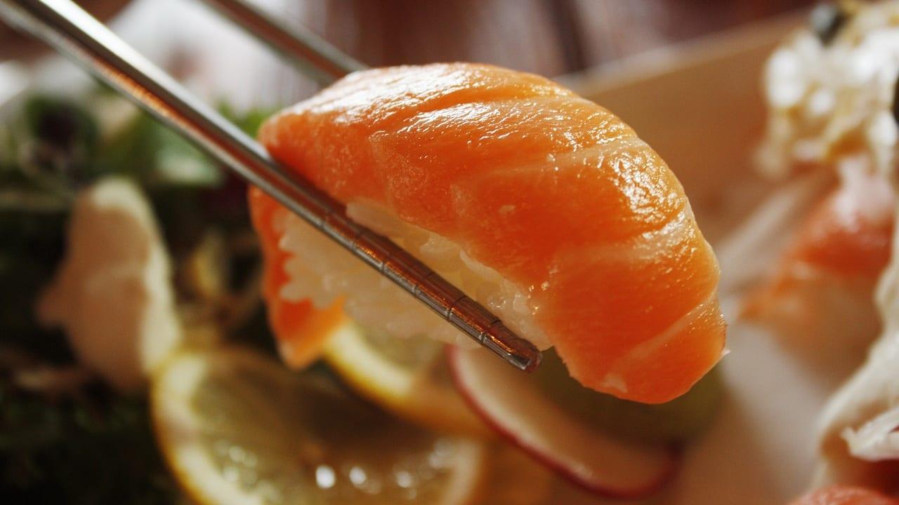 サーモン 寿司