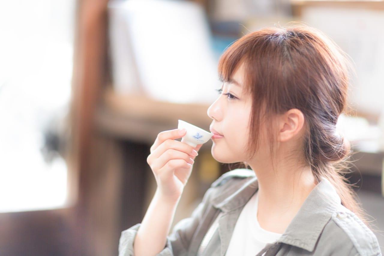 日本酒 おちょこ 女性